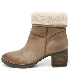 Report Signature Fireside suede leather lined boot